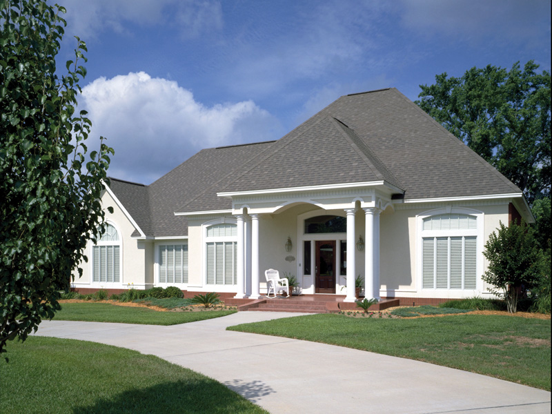 Traditional House Plan Front Photo 02 020D-0266