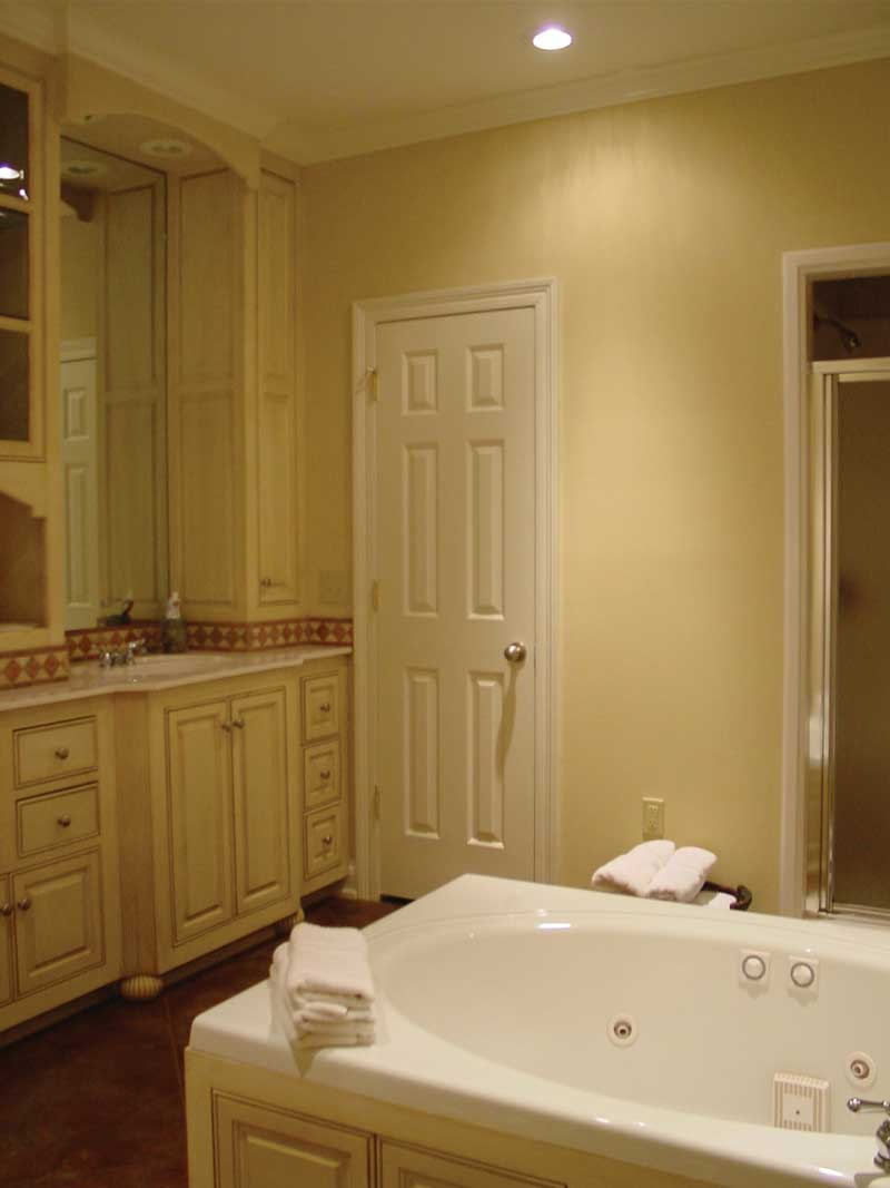 European House Plan Master Bathroom Photo 01 020D-0284
