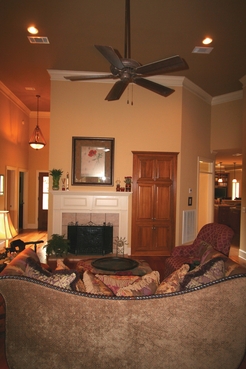 Country French Home Plan Living Room Photo 02 020D-0295