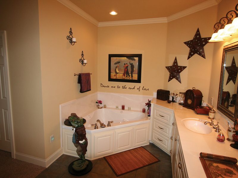 European House Plan Master Bathroom Photo 01 020D-0295