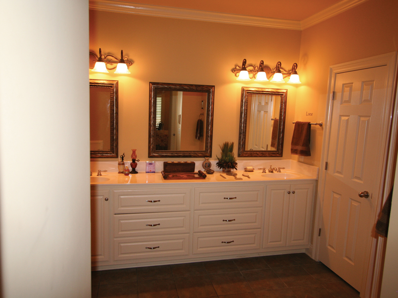 European House Plan Master Bathroom Photo 02 020D-0295