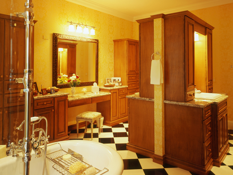 Greek Revival Home Plan Master Bathroom Photo 01 020S-0002