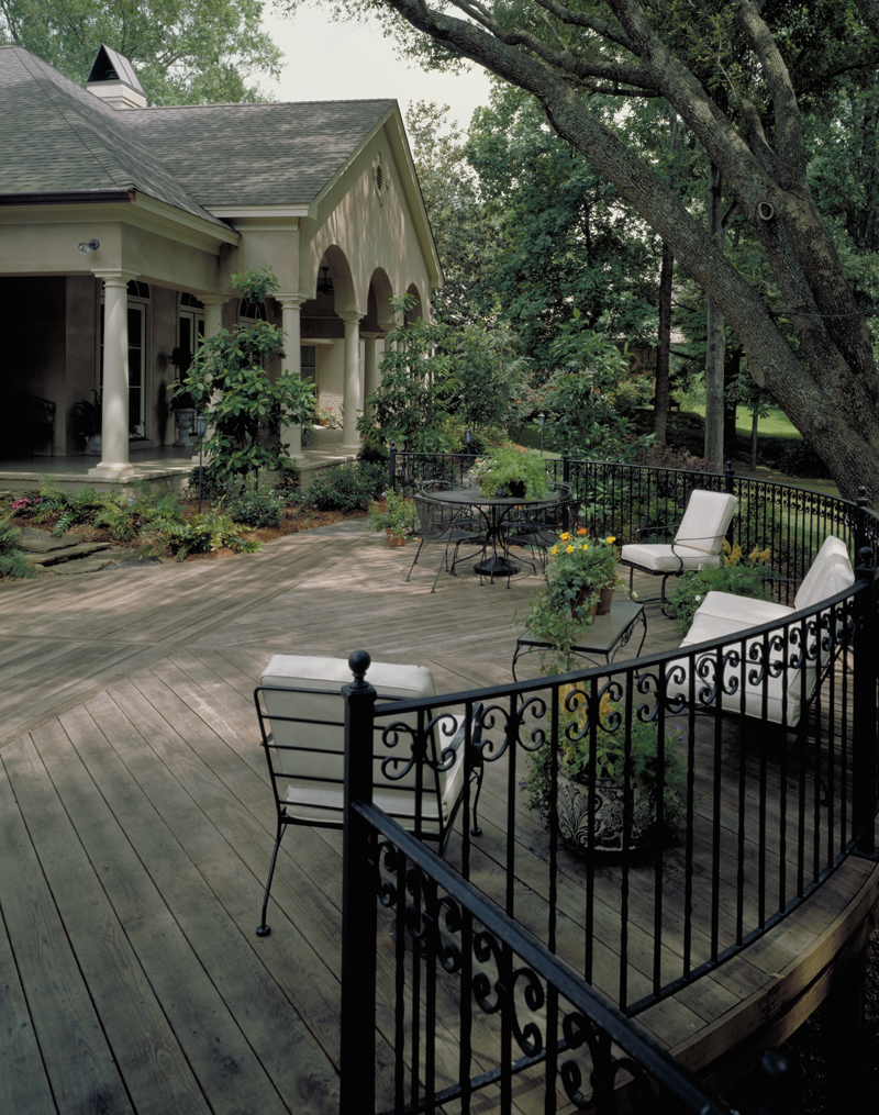 Traditional House Plan Deck Photo 01 020S-0004