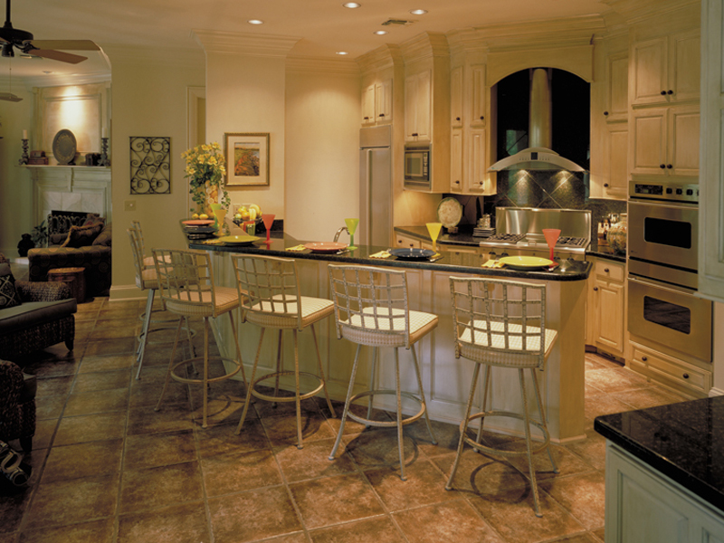 Southern Plantation Plan Kitchen Photo 01 020S-0004