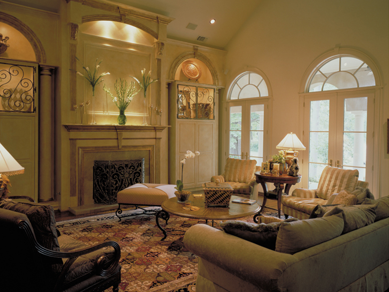 Colonial House Plan Living Room Photo 01 020S-0004