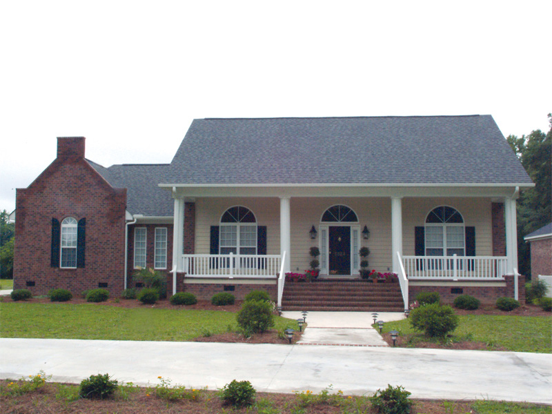 Traditional House Plan Front of Home 021D-0012