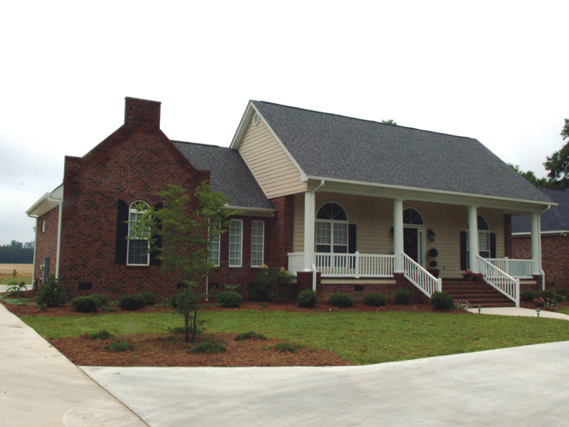 Traditional House Plan Front Photo 01 021D-0012