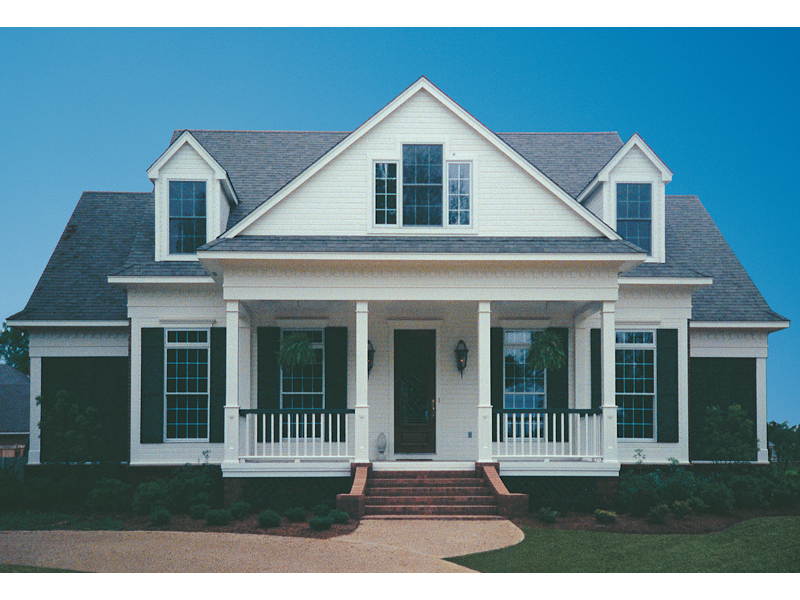 Home With Graceful And Functional Front Porch