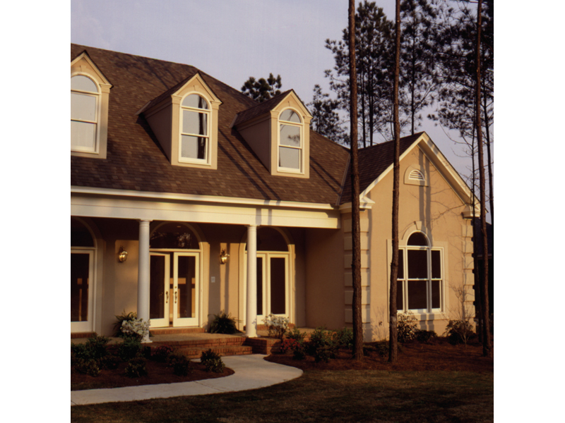Traditional House Plan Front Photo 03 023D-0002