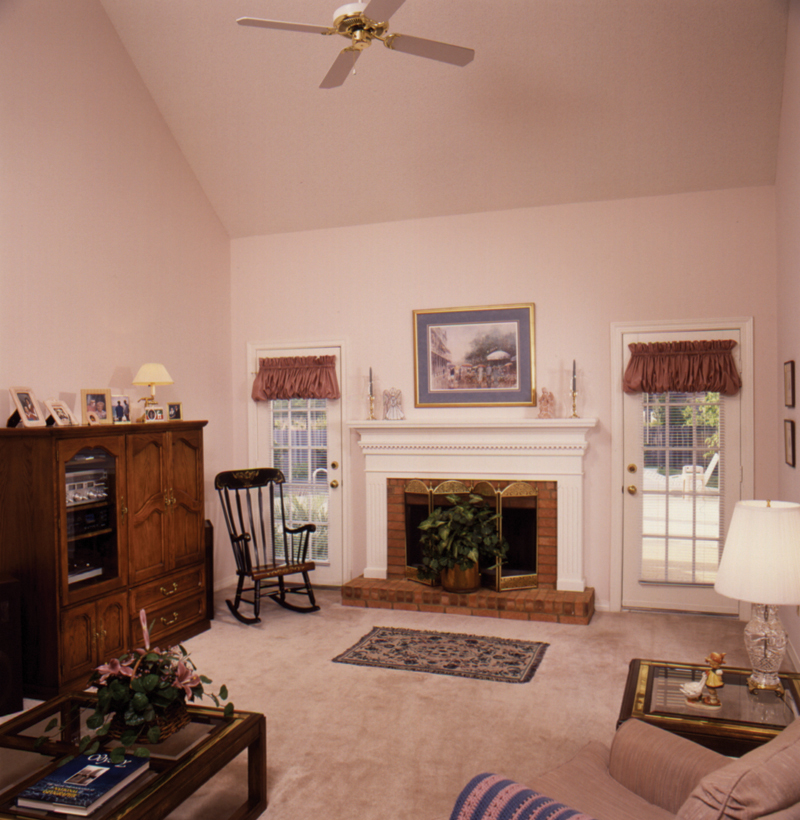 Saltbox House Plan Living Room Photo 01 024D-0042