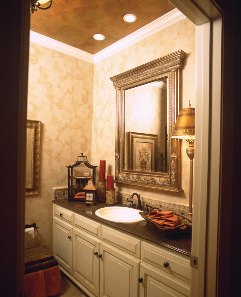 Arts and Crafts House Plan Bathroom Photo 01 024D-0055