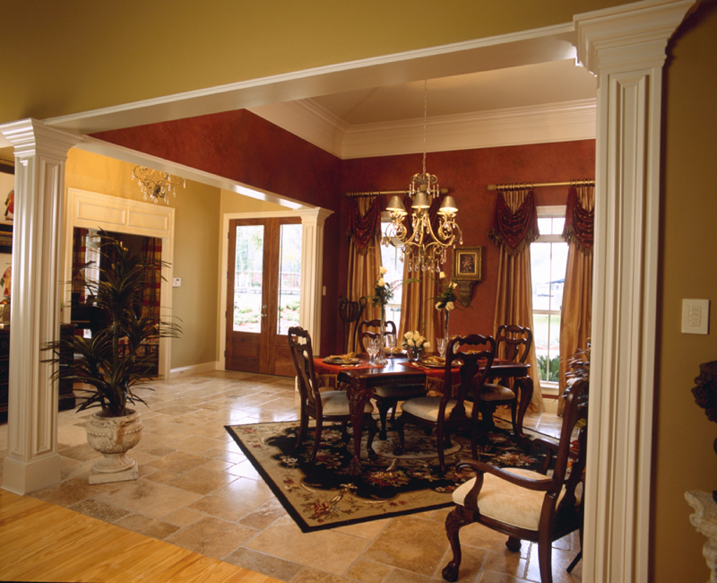 Luxury House Plan Dining Room Photo 02 024D-0055