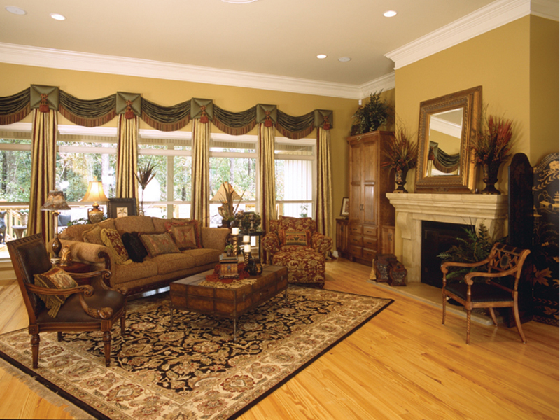 Traditional House Plan Living Room Photo 02 024D-0055