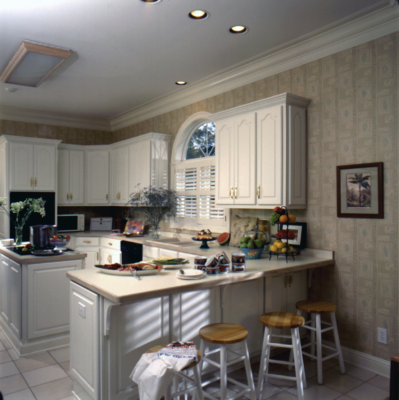 Georgian House Plan Kitchen Photo 02 024D-0058