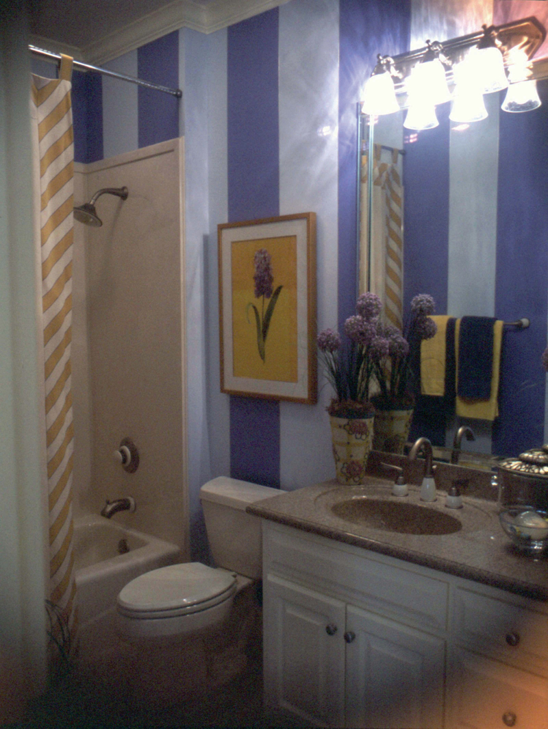 European House Plan Bathroom Photo 01 024D-0060