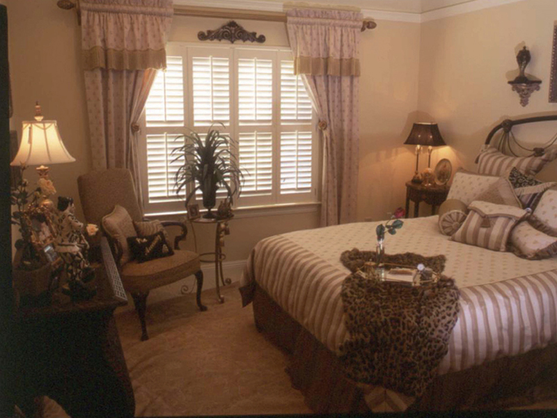 Country French Home Plan Bedroom Photo 02 024D-0060