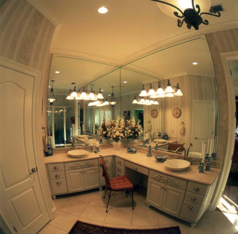 European House Plan Master Bathroom Photo 01 024D-0060