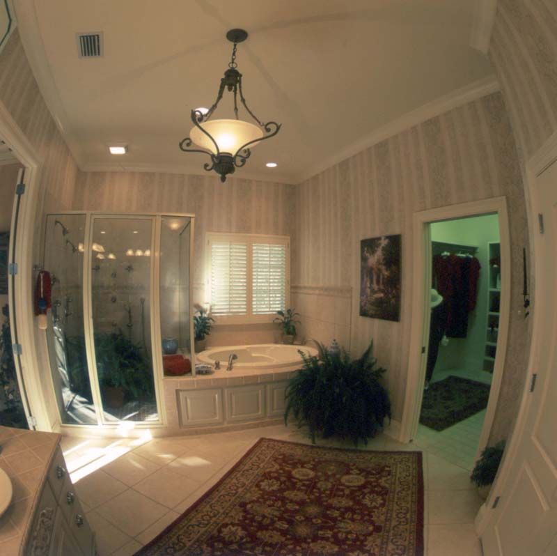 European House Plan Master Bathroom Photo 02 024D-0060
