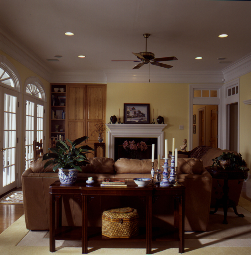 Traditional House Plan Living Room Photo 02 024D-0061