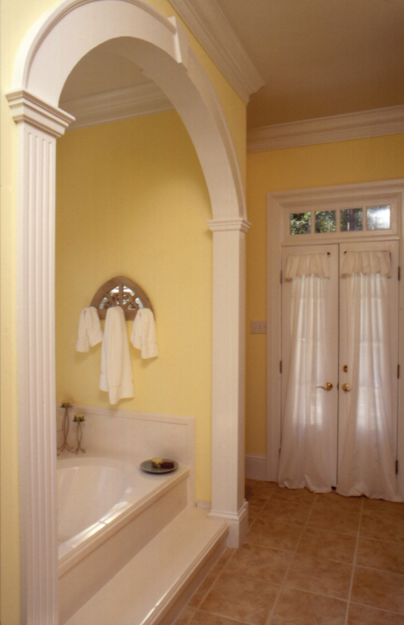 Arts and Crafts House Plan Master Bathroom Photo 02 024D-0061