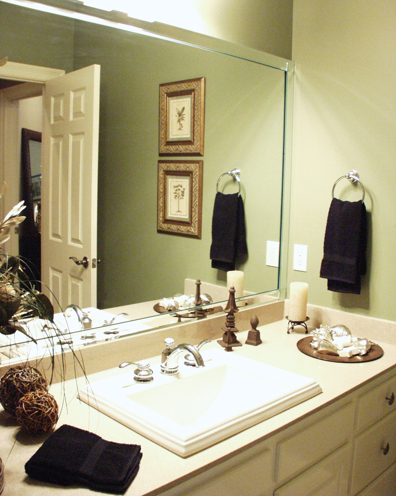Country French Home Plan Bathroom Photo 02 024D-0062