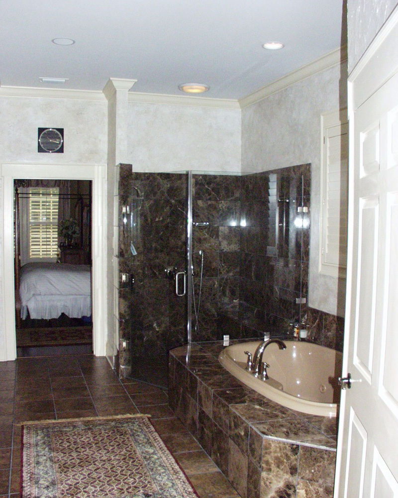 Country French Home Plan Bathroom Photo 03 024D-0062
