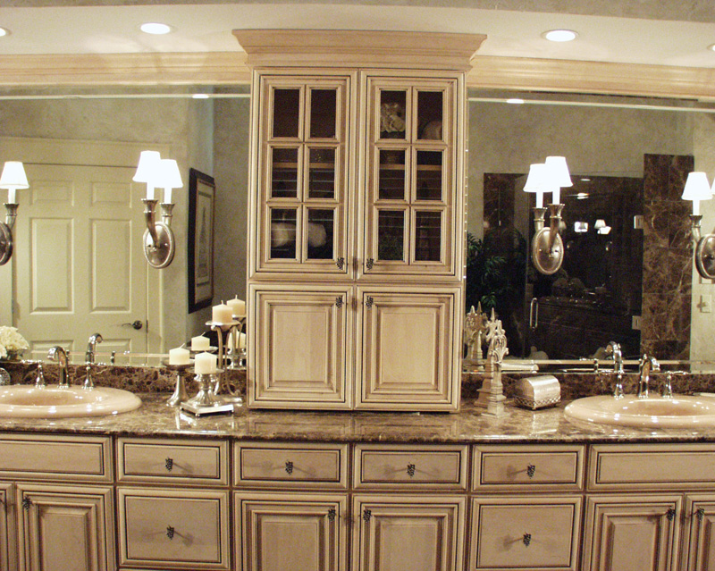 Traditional House Plan Bathroom Photo 04 - 024D-0062 | House Plans and More