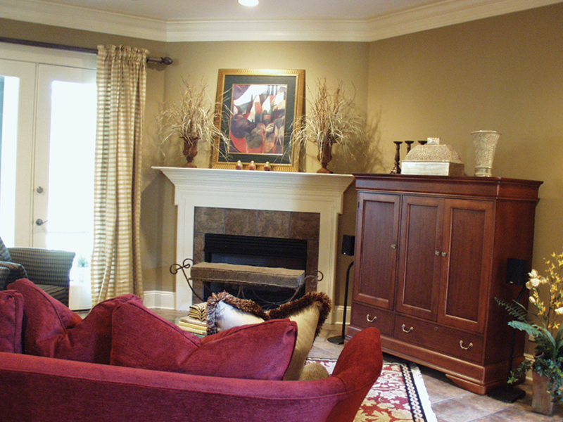 European House Plan Family Room Photo 01 024D-0062