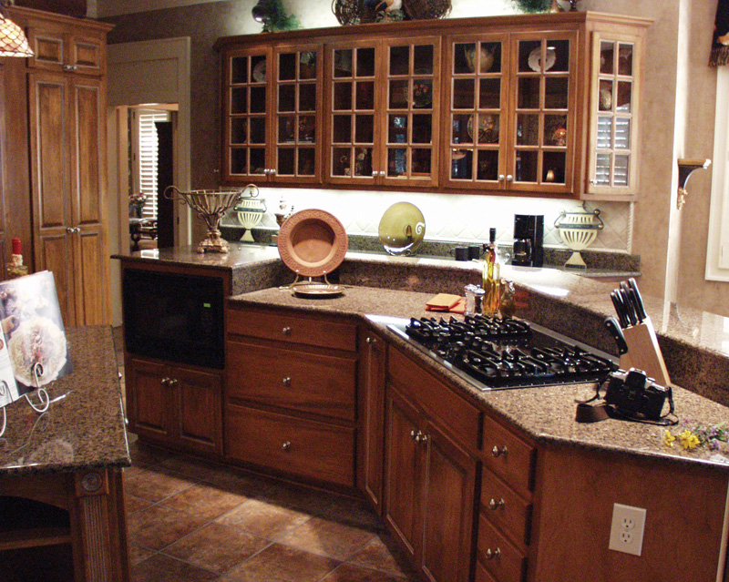 European House Plan Kitchen Photo 01 024D-0062