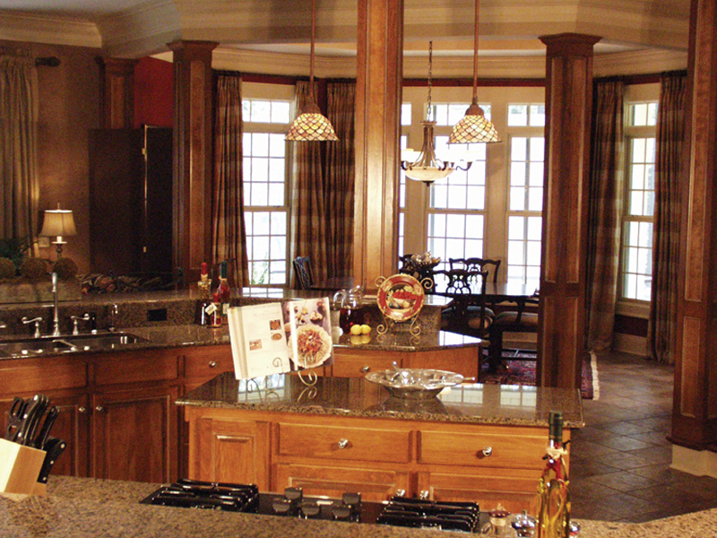 Traditional House Plan Kitchen Photo 03 024D-0062