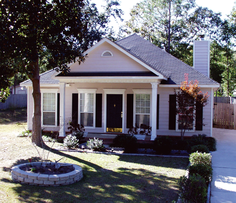 Traditional House Plan Front of Home - 024D-0140 | House Plans and More
