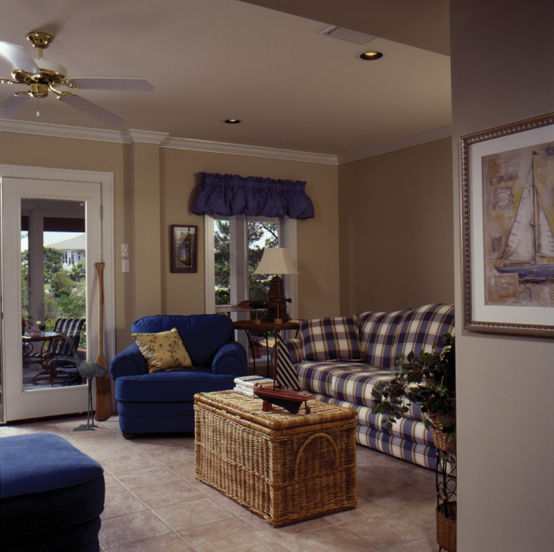 Vacation Home Plan Living Room Photo 01 024D-0609