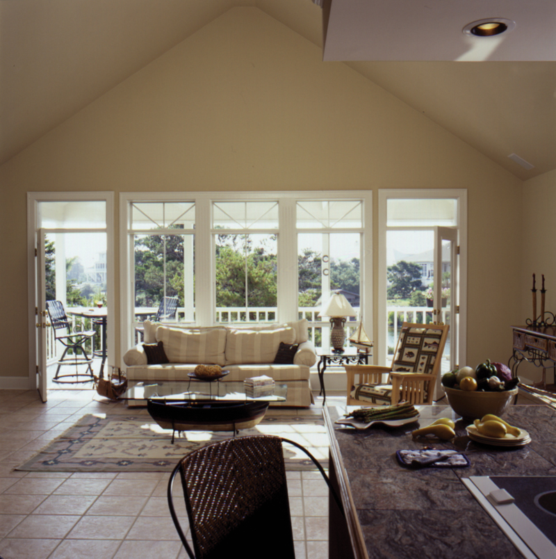 Waterfront Home Plan Living Room Photo 02 024D-0609