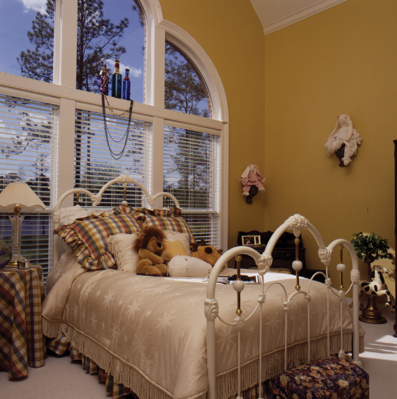 Traditional House Plan Bedroom Photo 01 024D-0639