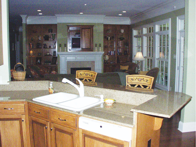 Arts and Crafts House Plan Kitchen Photo 02 024D-0644