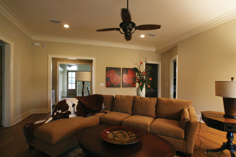 Acadian House Plan Living Room Photo 01 024D-0795