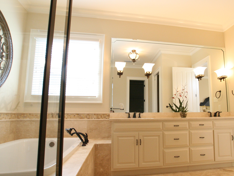 Country House Plan Bathroom Photo 02 024D-0797