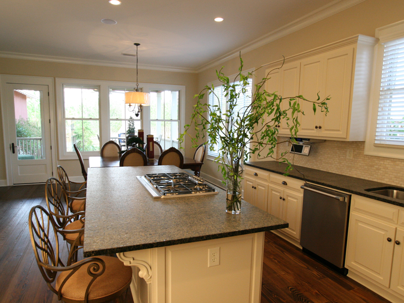 Traditional House Plan Kitchen Photo 01 024D-0797