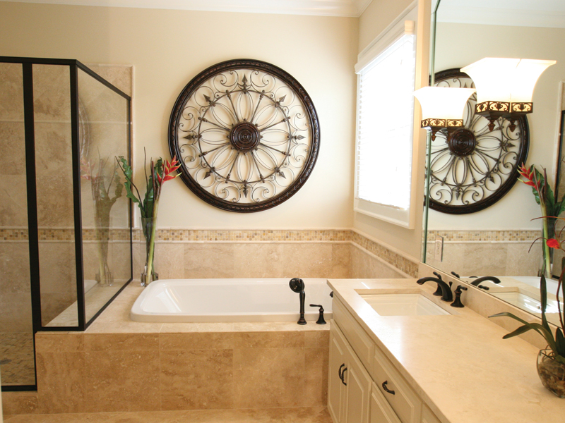 Traditional House Plan Master Bathroom Photo 01 024D-0797