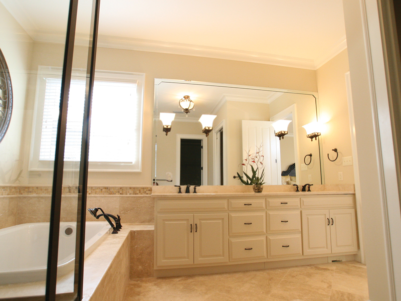 Country House Plan Master Bathroom Photo 02 024D-0797
