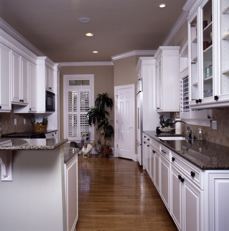 Sunbelt Home Plan Kitchen Photo 01 024S-0001