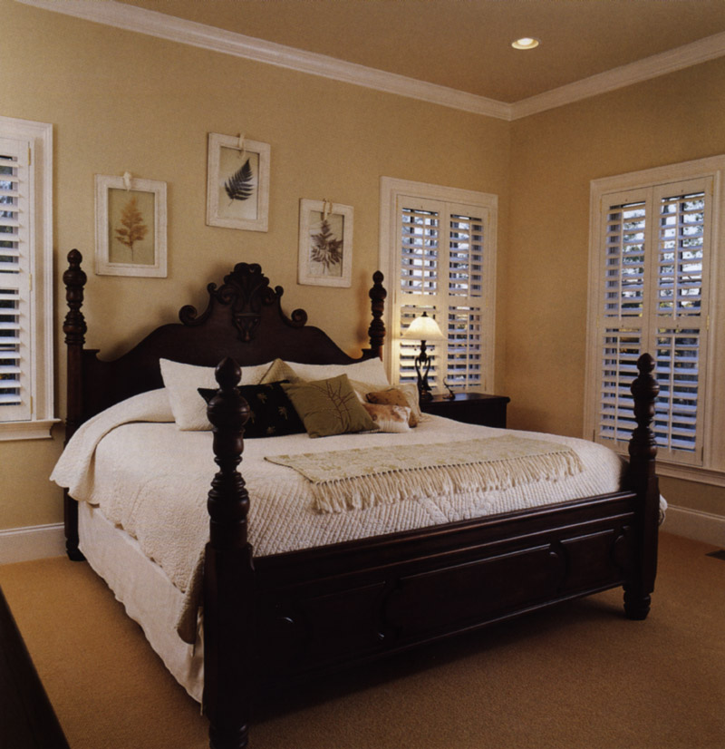 Southern House Plan Master Bedroom Photo 02 024S-0001