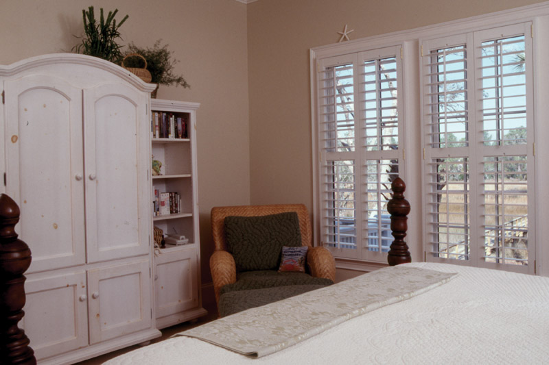 Country House Plan Master Bedroom Photo 03 024S-0001