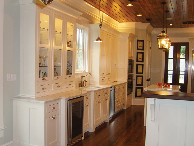 Luxury House Plan Kitchen Photo 03 024S-0022