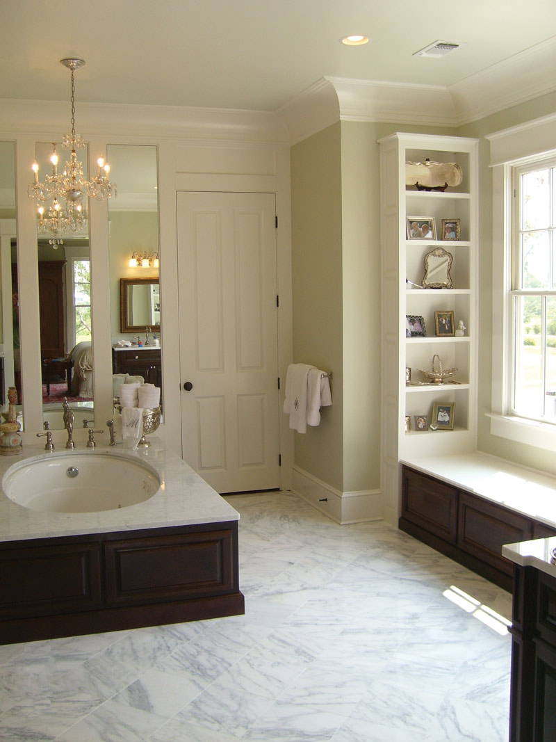Colonial Floor Plan Master Bathroom Photo 01 024S-0022