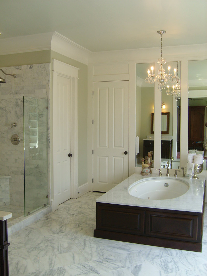 Traditional House Plan Master Bathroom Photo 03 024S-0022