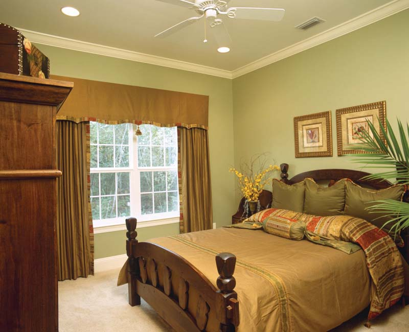 Southern Plantation House Plan Bedroom Photo 01 024S-0023