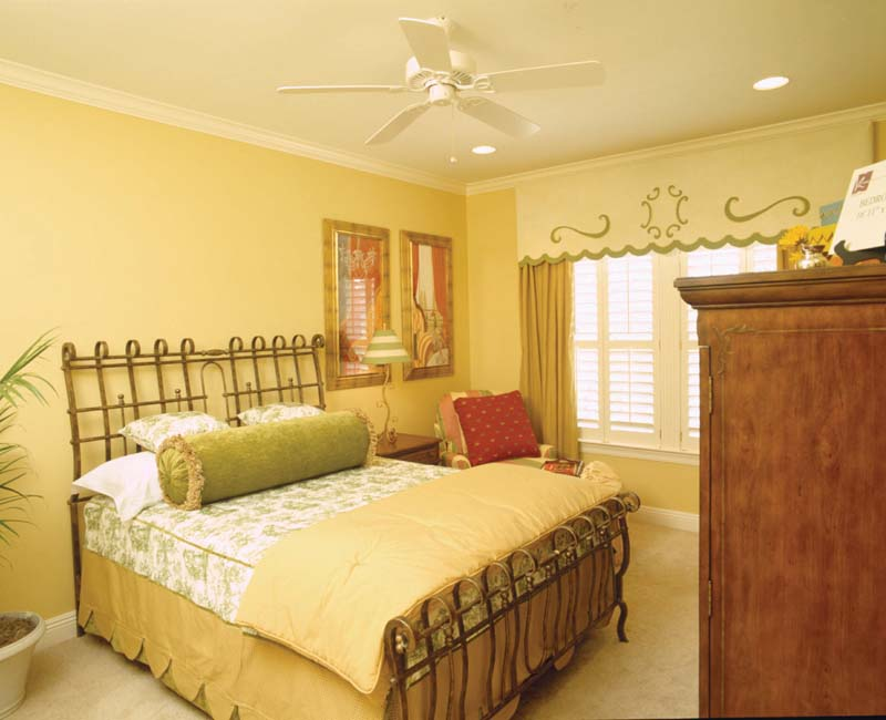 Colonial Floor Plan Bedroom Photo 03 024S-0023