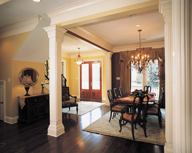 Colonial Floor Plan Entry Photo 01 024S-0023