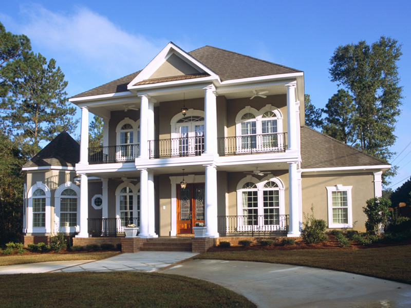 Southern Plantation Plan Front of Home 024S-0023